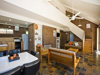 Port Arthur Accommodation Bay Retreat Living Area